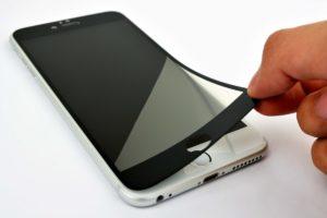 защита дисплея мобильного телефона